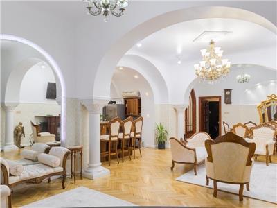 Apartament Special in centru Bucurestiului cu gradina