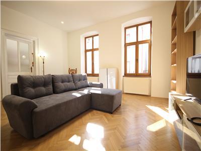 Apartament deosebit in vila cu gradina si garaj - ultracentral, prima inchiriere