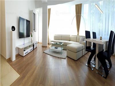 Apartament cu 3 camere de vanzare, zona  Unirii