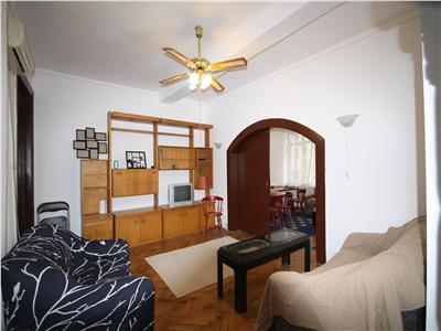 Apartament cu 4 camere de inchiriat in Unirii