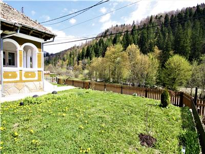 House for sale in Tarcau, Neamt with Beautifull view to the river and forest
