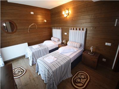 Mini Hotel/ Pensiune, 10 camere, Zarnesti
