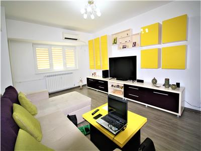 Three bedroom apartment for sale in Unirii Boulevard  Central