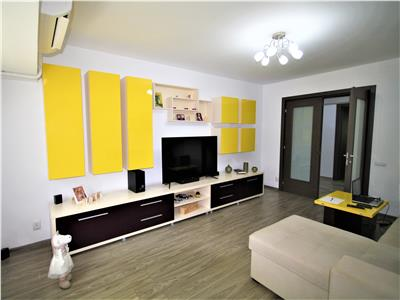Apartament cu 4 camere de Vanzare in Bdul Unirii Fantani Renovat Comision