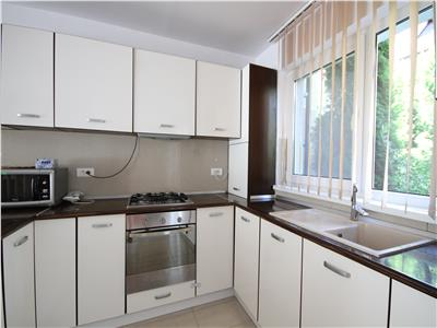 3 bedroom apartment for rent in a house
