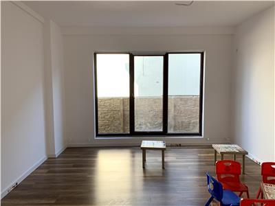 Apartament nou 3 camere, cu acces la curte, spatios si la 4-5 de metrou Jiului, foarte linistit