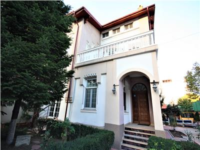 Perfect villa for commercial and living with private pool and garden, central location