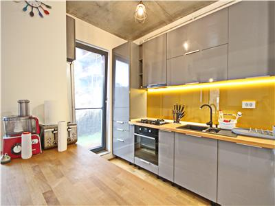 Superb apartment with private garden and office room for rent in a central area