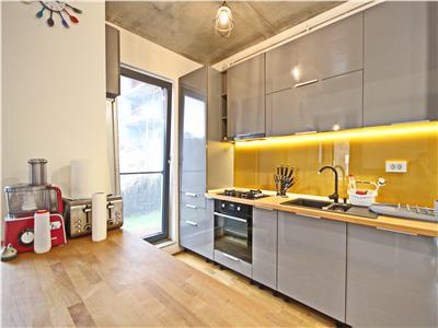 Apartament superb cu gradina proprie si birou de inchiriat zona centrala