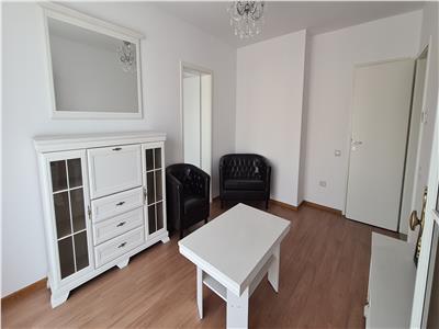 Apartament 3 camere de �nchiriat Carpatilor Residence