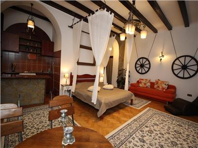 Guest House - for rent - 6 rooms - Historic Centre Brasov