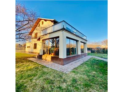 7 room Villa/ Holiday house and land for sale, Breaza, Prahova county