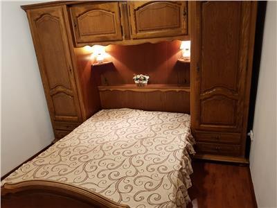 Apartament 2 camere, Bd Magheru, negociabil, bloc fara bulina