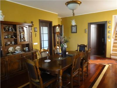 Vila cu iesire la lac, 5 camere, ex-rezidenta regala, inchiriere lunga durata, Corbeanca