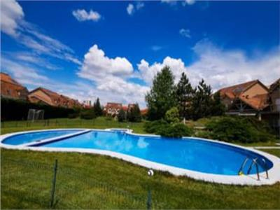 7 room villa, with an outdoor swimming pool, long term rental, Pipera