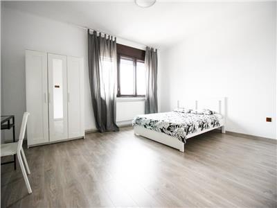 Apartament 4 camere, de vanzare, Piata Romana, Bucuresti
