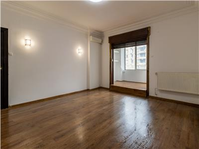 Apartament 4 camere, de vanzare, Piata Romana - Magheru