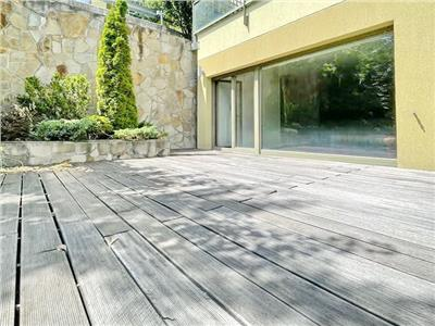 Large studio with great view in Bellevue Residence for sale